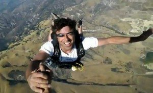 Googles-Project-Glass-Skydiving-demo-2-640x394